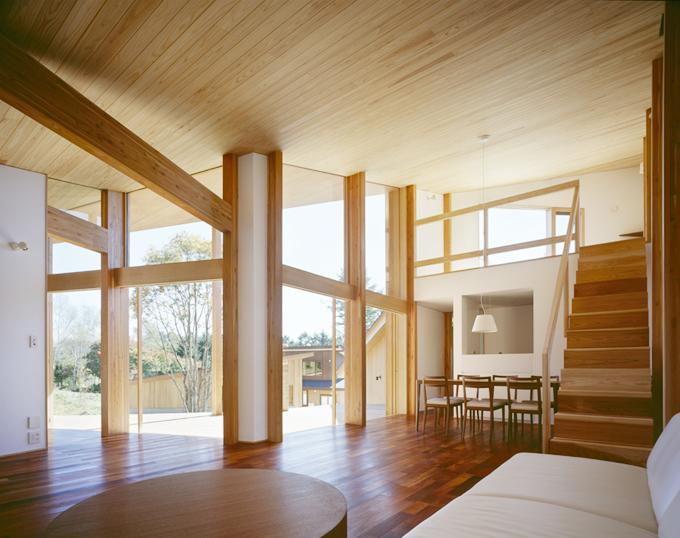 知っておきたい木材の特徴。美しく機能的な木の住まい