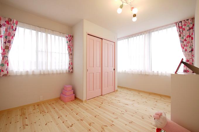 ベビーピンクの女の子部屋 Fevecasaフェブカーサ