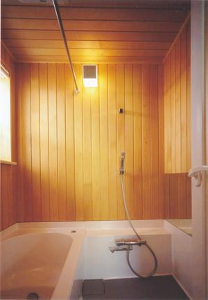 木の浴室を実現しやすいハーフユニットバス(豆知識サムネイル)