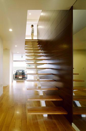 SE構法-広い間口の木造ガレージハウス1
