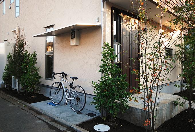 自転車の 自転車 登録 変更 千葉 : 屋根付きの自転車置き場-fevecasa ...